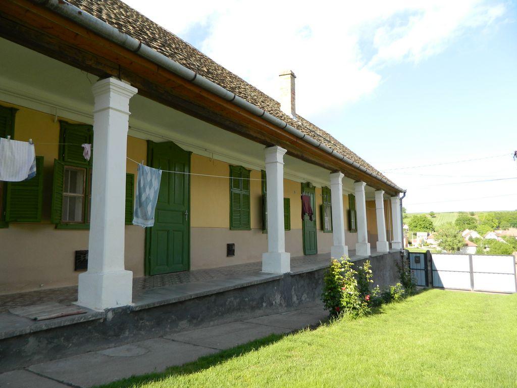 Boerderij te koop in palotabozsok hongarije for Boerderij achterhoek te koop